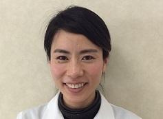 矯正歯科医師:伊藤恵梨子